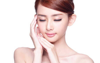 [CNY] 1.5-Hour Silk Peel Facial Treatment with Eye Lifting Treatment for 1 Person