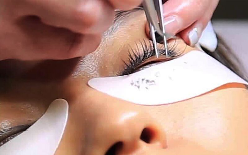 YC Lash & Growth featured image.