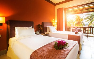Johor: 2D1N Stay in Executive Deluxe Room with Breakfast for 2 People