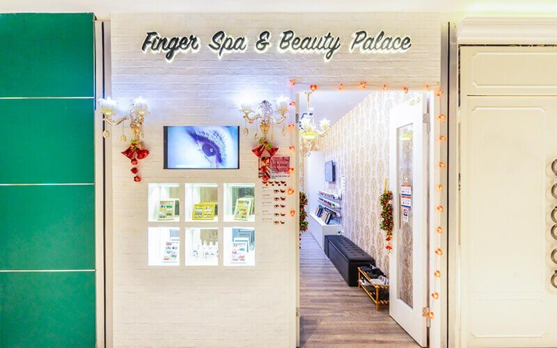 Gel Pedicure with Return Soak-Off + Foot Soak and Foot Scrub for 1 Person (1 Session)
