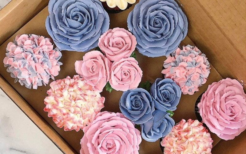Box of 12 Floral Cupcakes