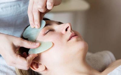 Gua Sha Facial for 1 Person
