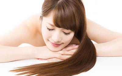 45-Minute Express Scalp Check with Hair Wash and Blow for 1 Person