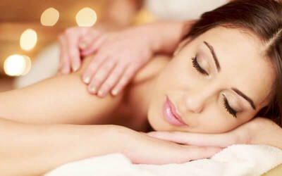 Royal Touch Package: Full Body Balinese & Swedish Massage + Foot Bath & Shower (100 Minutes)