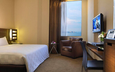 Penang: 2D1N Stay in Deluxe Room with Breakfast + Entry to Trick Art Museum for 2 People