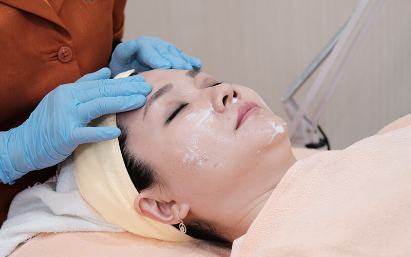 (PAKET 3x Sesi) Laser Acne Scar & Rejuvenation / CO2 Fractional + Serum Growth Factor + Doctor Consultation