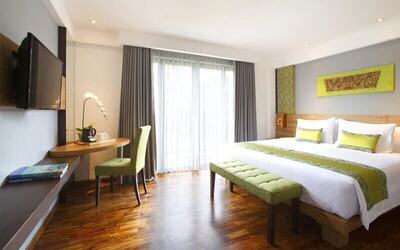 Kuta: 4D3N in Deluxe Room + Breakfast + 1 Way Airport Transfer