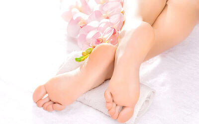 Relaxing Massage with Pedicure for 1 Person
