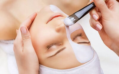 70-Min Skin Brightening Facial + Eye Comfort Therapy for 1 Person