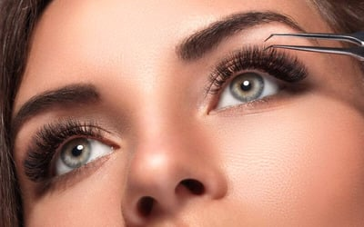 1x Russian Super Volume Eyelash Extension + Member Disc 50% OFF All Treatment