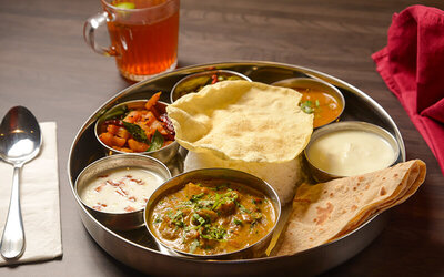 Indian Vegetable Lunch Set for 1 Person