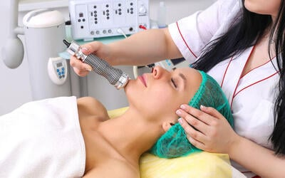 2-Hour Ultrasonic Facial Treatment for 1 Person