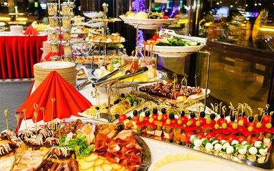 (Dec 25) Christmas Hi-Tea Buffet for 2 People