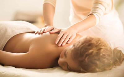 Body Massage + Face Massage + Body Scrub + Body Bleaching + Shower + Ginger Tea