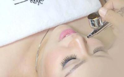 1x Relaxing Aqua Toning Facial + Konsultasi