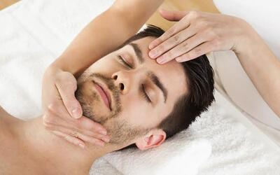 1.5-Hour Men's Korean Re-Fueling Facial with Point Massage for 1 Person