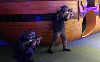30-Minute Laser Tag Challenge in PirateLand for 2 People