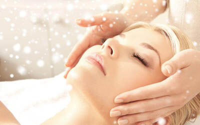 1.5-Hour Pore Refining Rose Facial with Lymphatic Drainage Face Massage for 1 Person