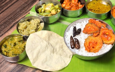Banana Leaf Rice with Drink for 1 Person