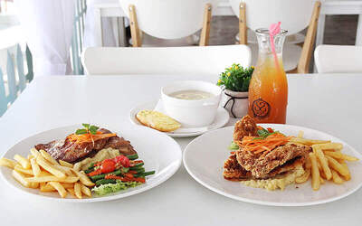 Chicken Set Meal with Soup and Drink for 2 People