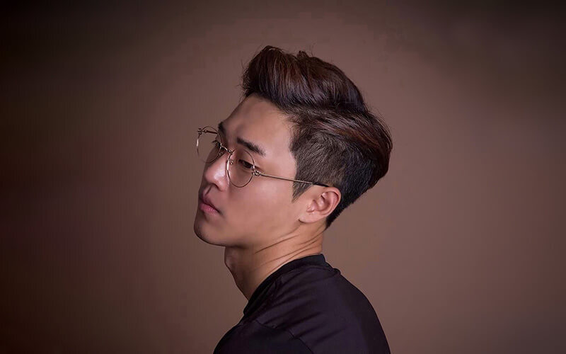 Men's Signature Professional Hair Cut with Hot Towel for 1 Person (2 Sessions)
