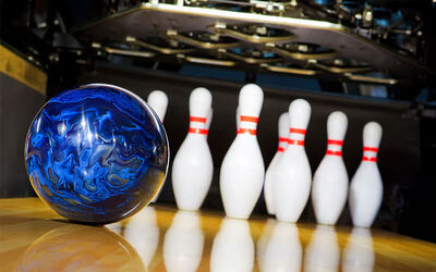 1-Hour Bowling Game + Bowling Shoe Rental for up to 6 People