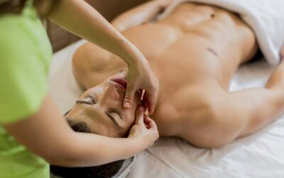 90-Minute Men's Facial with Foot / Body Detoxification for 1 Person (2 Sessions)