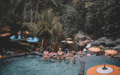 Swim & Swing Package + Welcome Drink + Waterfall Access + Lunch