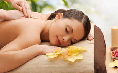 60-Minute Full Body Aromatherapy Massage for 1 Person