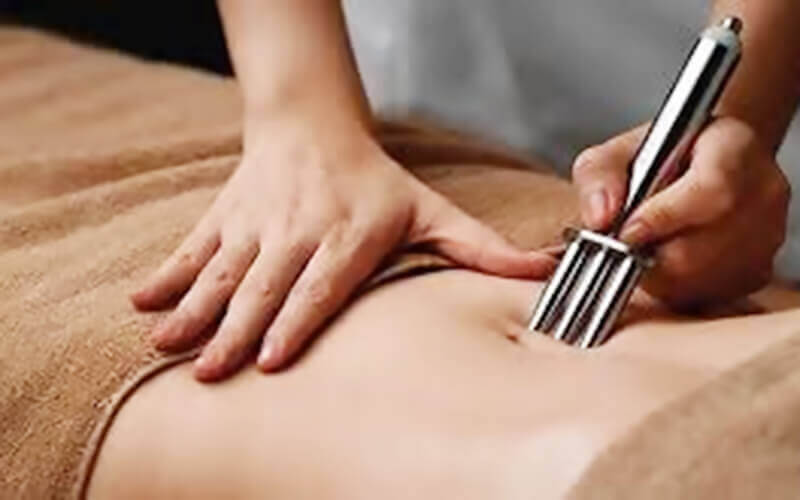 2.5-Hour Drainage Massage with Infrared Therapy and Deep Cleanse Hydration Facial for 1 Person