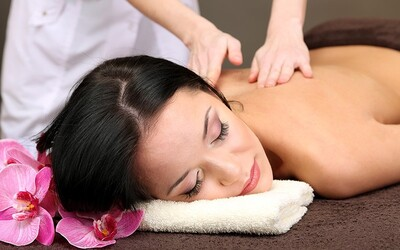 East Coast Beach: 1.5-Hour Full Body Massage with Body Polish for 1 Person