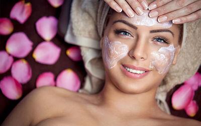 Facial + Extrasi Komedo + Masker + Diamond Peel - Whitening