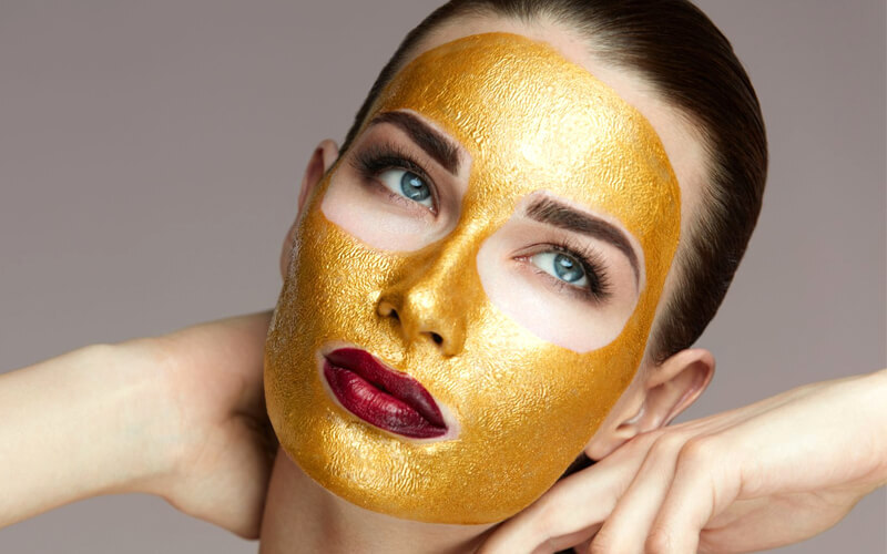 Glowing Facial with Gold Mask
