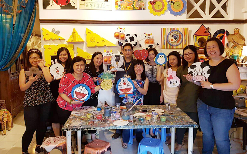 (Sat - Sun) 3-Hour Woodcraft Clock Making Session + One (1) Drink for 1 Person