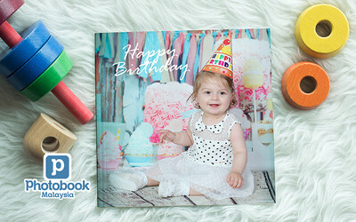 "8"" x 8"" Small Square Softcover Photobook (40 Pages)"