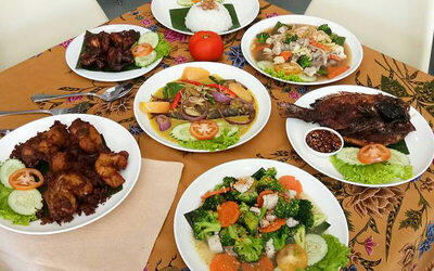 Ikan Pesmol and Ayam Rempah Set Meal for 2 People