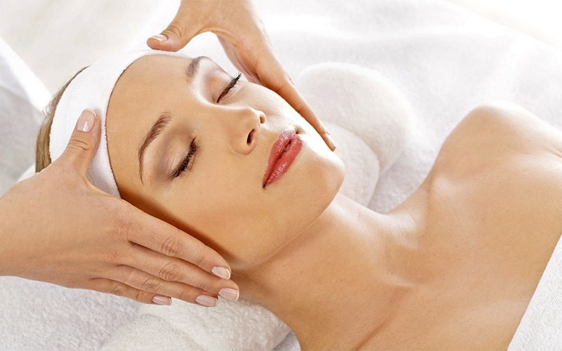 1-Hour Drainage Lymphatic Face Treatment for 1 Person