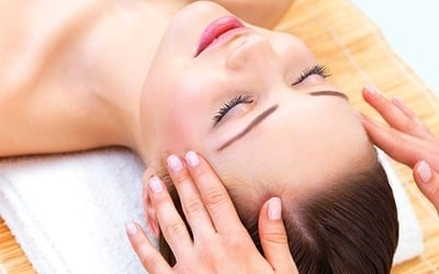 2.5-Hour Customised Facial with Eye Treatment + Steam Bath + Aromatherapy Jacuzzi for 1 Person