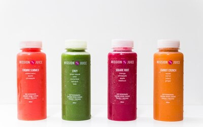8 Bottles (300ml) of Cold-Pressed Juice Cleanse Set with Delivery