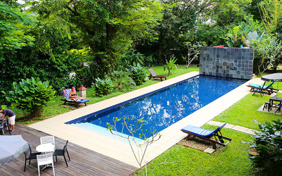 Kuching: 2D1N Stay in Poolside Twin Room with Breakfast for 2 People