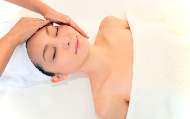 75-Minute Skeyndor Uniqcure Customised Facial and Mask with Neck and Shoulder Massage for 1 Person (1 Session)