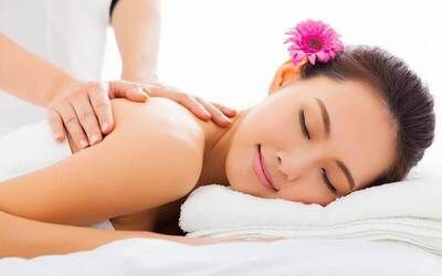 2.5-Hour Full Body Aromatherapy Massage + Crystal Hot Stone Upper Back Massage + Infra Red Therapy for 1 Person