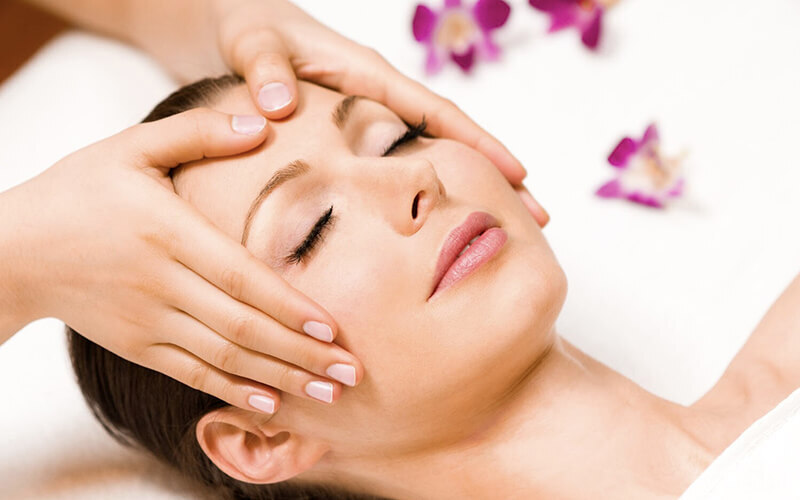 75-Min Customised Facial with Eye Treatment for 1 Person (1 Session)