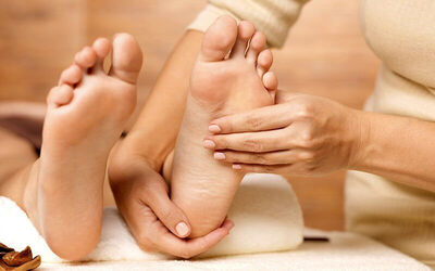 Foot Reflexology and Shoulder Massage for 2 People