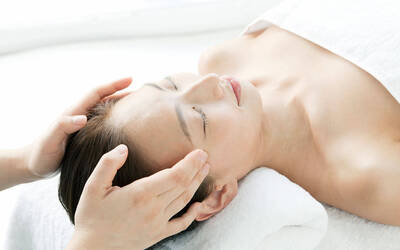 1.5-Hour Hydro Peeling Facial Treatment for 1 Person