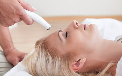 3x Face Laser & Light Treatment + 2x Laser on Lips (New Member Only)