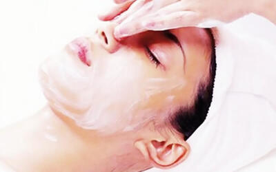 2.5-Hour Hydrating Facial Treatment for 1 Person