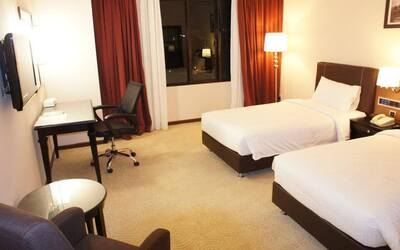 Ipoh: 2D1N Stay in Standard Room with Breakfast for 2 People