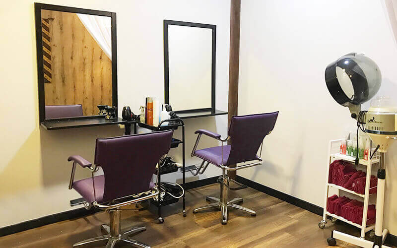 Hair / Scalp Treatment with Hair Wash and Blow for 1 Person (5 Sessions)