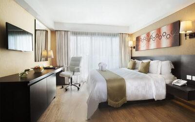 Cawang: 2D1N in Deluxe Room + Breakfast